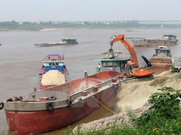 Quản lý Khai thác cát hợp lý góp phần chống sạt nở bờ sông